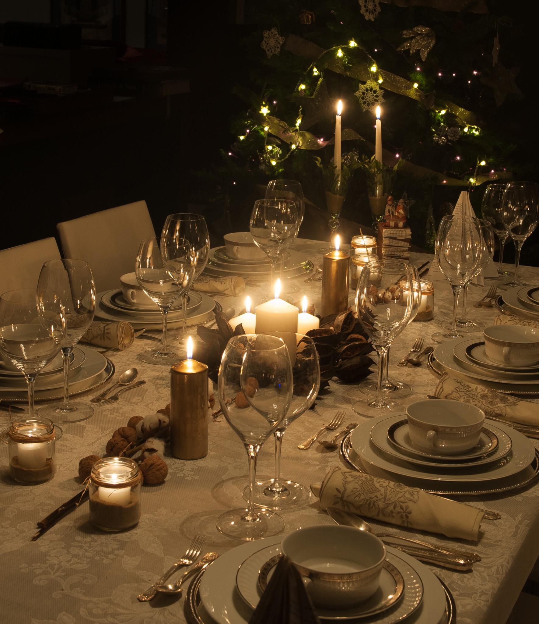 Tres inspiraciones de mesas de navidad cuarto de maravillas for Mesas para navidad
